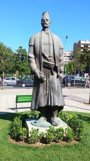 Estátua em Tirana