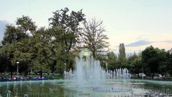 Parque Rinia - Tirana