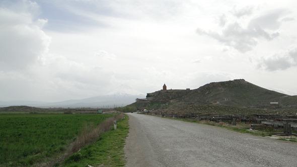 Estrada para Khor Virap
