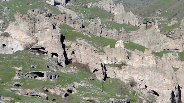 Cavernas na Antiga Goris