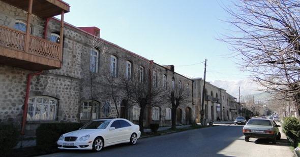 Casas de pedra em Goris