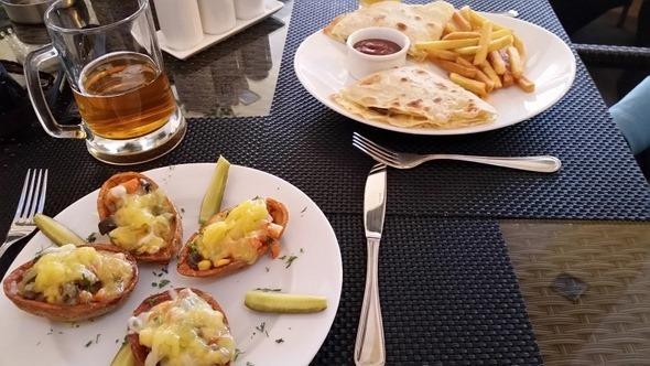 De Luxe Lounge Cafe - Goris